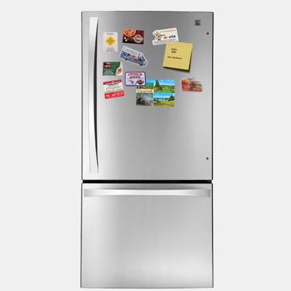En kylskåpsmagnet är ett populärt och billigt sätt att exponera och locka till sig målkunder. Kylskåpsmagnet med tryck